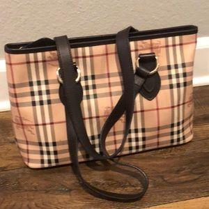 Burberry Bags - Women's Burberry tote bag
